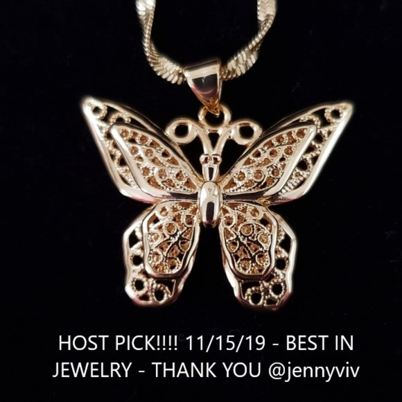 Jewelry - NWOT Beautiful Gold Filigree Butterfly Necklace
